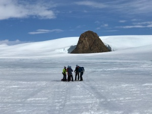 The group walks to the Nunatak. We climb the knob from the back side.